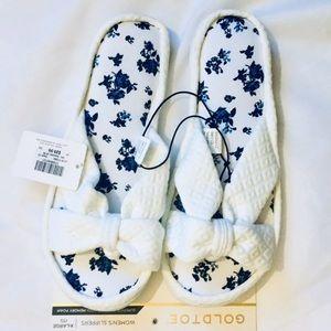 Goldtoe Women's Memory Foam Slippers